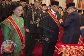 Presiden Anugerahkan Tanda Kehormatan