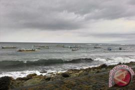Cuaca buruk, nelayan Bali tetap melaut
