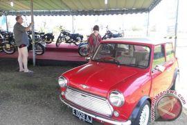 Wabup Badung apresiasi pecinta motor klasik