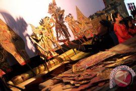 Duta Denpasar ikuti parade wayang kulit