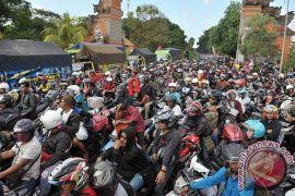 Pertamina siapkan BBM kemasan jalur mudik di Bali