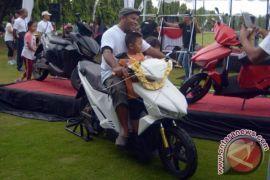 Akhir 2018, sepeda motor listrik Indonesia diproduksi