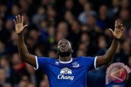 Everton Naik ke Posisi Enam Usai Gunduli Hull 4-0