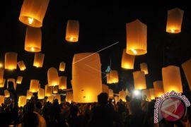 Sebanyak 1.999 Lampion Diterbangkan di Borobudur