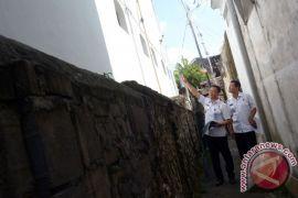 Polda Bali buru tiga tahanan kabur