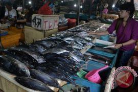 Harga ikan laut naik akibat cuaca buruk