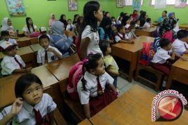 Gubernur Bali Ancam Pindahkan Kepsek Pembangkang