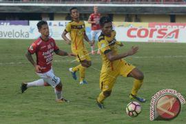 Bali United Kalahkan Barito Putera 5-0