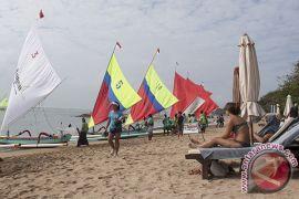 Siklon tropis, wisata air di Pantai Mertasari-Sanur masih lancar