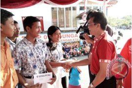APSAI Gianyar Berikan Bantuan Siswa SMA/SMK Kurang Mampu