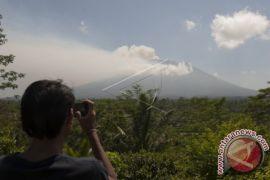 500.000 Masker Disiapkan Antisipasi Abu Vulkanik Gunung Agung
