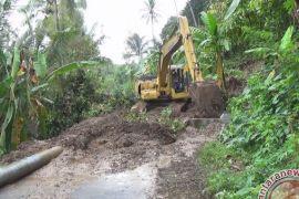 Banjir dan Longsor Isolasi Ratusan Warga Jembrana
