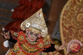 Pemkot Denpasar serahkan lomba gender wayang