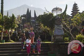 Umat Hindu Dharma di Bali rayakan Galungan