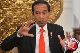 Presiden Jokowi Membagikan 2.890 Hektare Perhutanan Sosial di Madiun