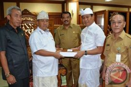 Ranperda APBD 2018 Disepakati Empat Fraksi DPRD Badung