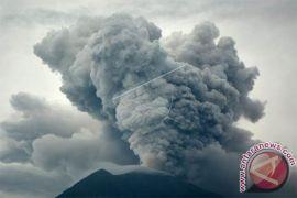 PVMBG Perkirakan Sepertiga Kawah Gunung Agung Terisi Lava