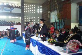 Undiksha Lepas 401 Wisudawan, Rektor: Targer Besar Indonesia Emas 2045