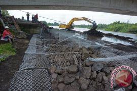 Pemkab Klungkung Tutup Saluran Irigasi Cegah Banjir Lahar