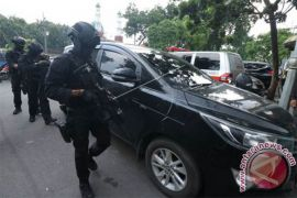 Densus Tangkap Terduga ISIS di Surabaya