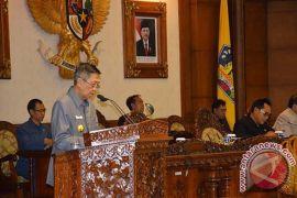 Gubernur Pastika: Perda Retribusi bisa Optimalkan PAD