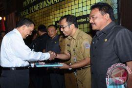 BPK Bali Serahkan LHP Kinerja ke Pemkot Denpasar
