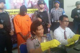 Pensiunan PNS tertangkap bawa sabu-sabu