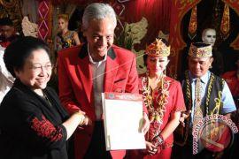 Megawati ingatkan calon kepala daerah tidak lupa diri