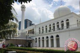 Peserta demo Facebook berdatangan ke Masjid Al Azhar