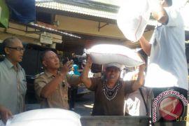 Stabilkan kebutuhan pokok, Disperindag Denpasar gelar operasi pasar