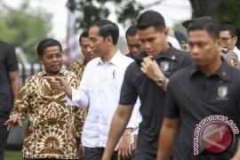 Presiden Jokowi serahkan ribuan sertifikat tanah di Palembang