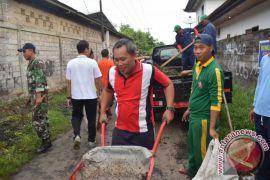 Pasca Bencana Alam, ASN di Buleleng Gotong Royong di Dencarik