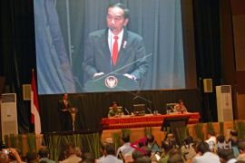 Presiden ingatkan TNI-Polri tetap netral selama pilkada