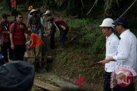 Presiden Jokowi tinjau pembangunan pedesaan di Dharmasraya