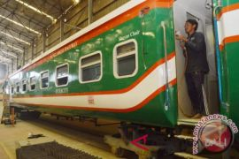 Senegal rencana impor kereta buatan Indonesia