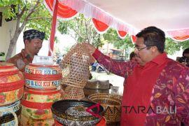 Hari Pancasila, Bupati Buleleng bantu PMI
