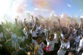 Festival Holi di Denpasar
