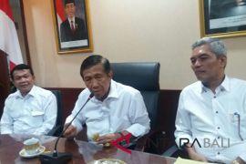 Gubernur Pastika janji terus perjuangkan Bandara Buleleng