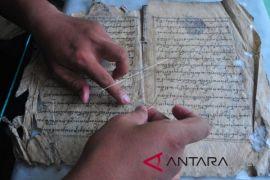 Konservasi Naskah Kuno