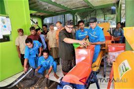 Kemenpar bantu mesin pengolah sampah untuk Padangtegal-Gianyar