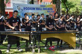 Universitas Warmadewa meriahkan Podium Bali Bebas Bicara