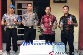Polisi Denpasar Barat sita 144 botol arak