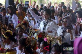 Iriana Kunjungi PAUD di Denpasar