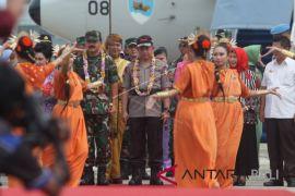 Panglima TNI-Kapolri tinjau perbatasan darat Indonesia-Malaysia