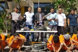 Lima pelaku begal motor ditangkap Polsek Kuta