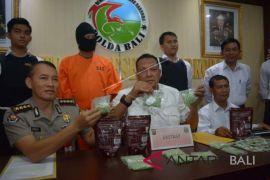 Polda Bali bekuk kurir 2.930 butir ekstasi (Video)
