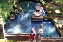 Pura Batu Bolong jadi potensi wisata unik Buleleng