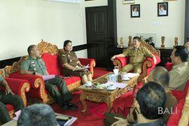 Pasca-bom Surabaya, aparat sipil-militer Jembrana bersinergi amankan Galungan-Kuningan
