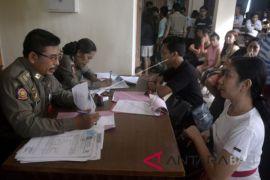 Satpol PP Badung jaring belasan penduduk pendatang tanpa identitas