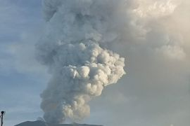 PVMBG: fluktuatif, aktivitas Gunung Agung